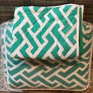 Pottery Barn Teen Comforter with 2 Shams